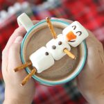 marshmallow-snowman-hot-chocolate-easy-kids-food-craft-activity-winter-fun-how-to-make-a-marshmallow-snowman-1